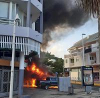Le feu a été mis à trois véhicules de gendarmerie