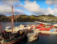 Les épaves de bateau sont en cours d'enlèvement à Sint Maarten